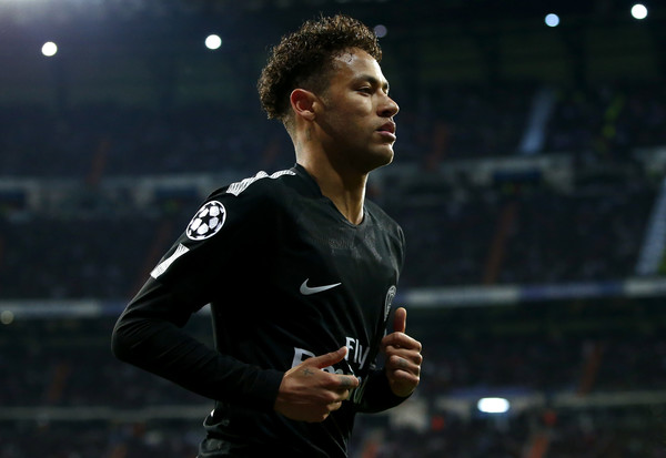 psg match-neymar in psg jersey