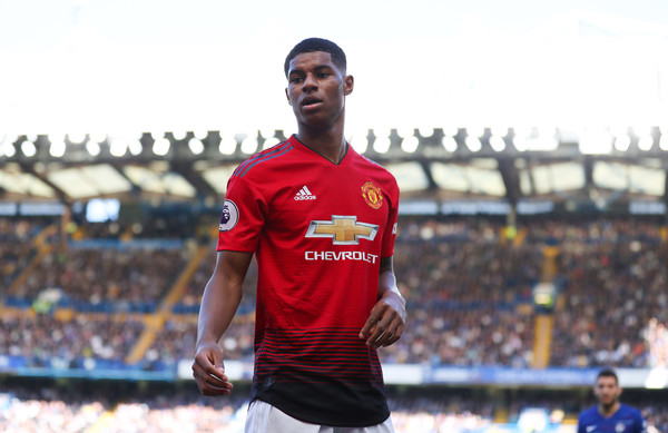 borussia dortmund-marcus rashford in manchester united red home kit