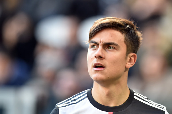 paulo dybala-paulo dybala in juventus black and white jersey against fiorentina