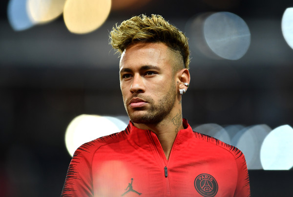 neymar news-neymar in orange psg jersey