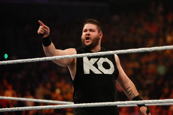 kevin owens return-kevin owens in black sleeveless tshirt challenging opponent