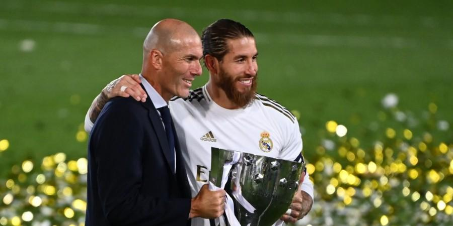 ramos real madrid-sergio ramos and zinedine zidane with la liga trophy