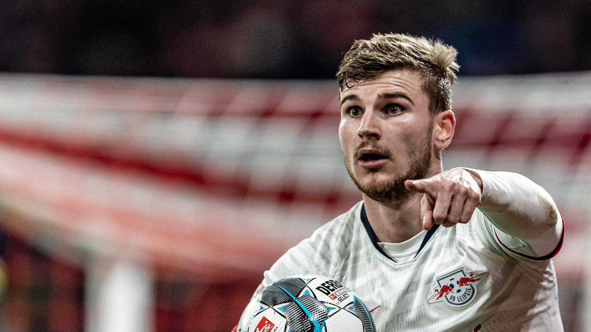 timo werner chelsea-timo werner in white jersey holding the ball