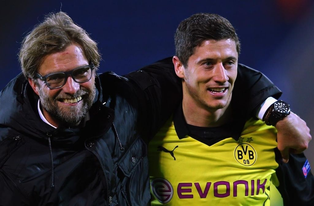 robert lewandowski latest news-robert lewandowski with jurgen klopp