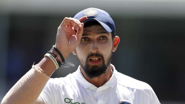 ishant sharma cricketer-ishant sharma in white indian test jersey