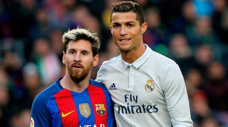 best player messi or ronaldo-messi and ronaldo in el clasico match
