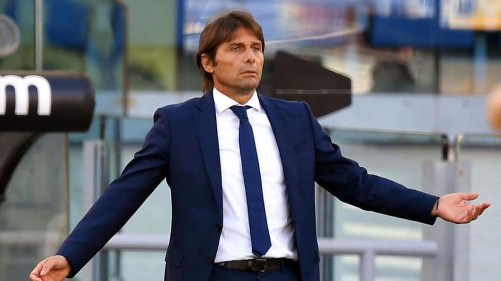 top 10 best football managers in the world 2021